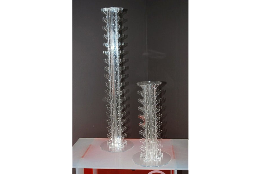 colonne support macarons en plexi transparent