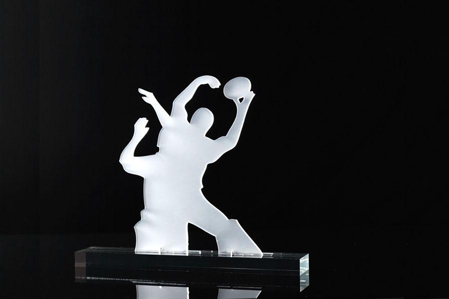 trophee sport plexi blanc satine sur socle pmma incolore