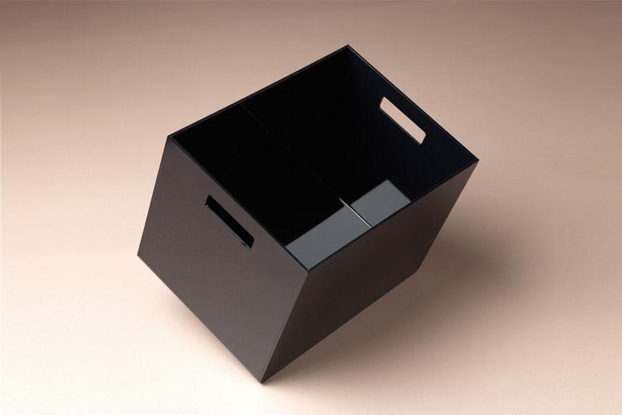 urne en plexi noir